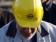 GM will Opel aus der Verlustzone holen - die Mitarbeiter wehren sich und leisten Widerstand. 2004.