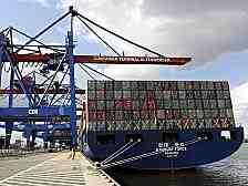 Plus 0,3 Prozent - der Trend zeigt nach oben. Aber die Wirtschaft braucht noch viel Zeit, bis sie wieder die Containerschiffe auslastet.