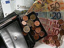 Geld bleibt billig. Leitzins: 1,0 Prozent. Ob das die Kreditvergabe beflügelt - oder die Spekulanten?
