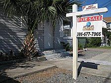 Krisen-Denkmal oder neues Spekulationsobjekt: Leer stehende Häuser in den USA ziehen Investoren an.