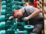Fahrzeuge und Maschinen - das ist typisch deutsch. Aber wer entwickelt und baut die Exportschlager von morgen? Schon heute leiden die Unternehmen, die den Export beflügeln, unter einem Mangel an Nachwuchs-Ingenieuren.