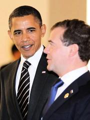 Präsidenten unter sich: Obama und Medwedew beim G20-Gipfel. Wo sie wohl stehen, wenn die neue Ordnung für die Weltbühne fertig ist? Der Amerikaner hat in Seoul schon die erste Lektion lernen müssen.