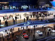 Die Kleinen polieren das Image, die Großen füllen die Kasse - Mercedes präsentiert sich auf der IAA dreistöckig.
